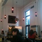 『flowing KARASUMA』 銀行をリノベーションした洋館カフェ