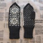 『編みものこもの』お花のミトンを編みました